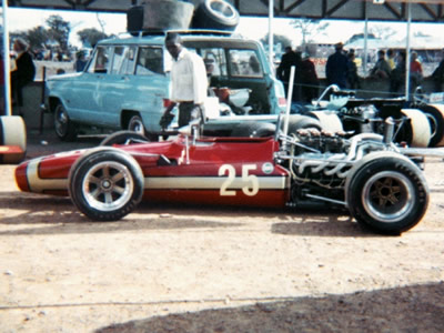 The Team Domingo T70/140 - or is it a T142 - in the paddock at the 1971 Rhodesian GP.  Note the lack of wings which would suggest it is not the ex-Charlton/Parnell SL140/14. Copyright Doug Brown  2005. Used with permission.