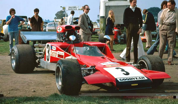 The first production Lola T300 at Oulton Park on 18 Sep 1971, although it is also possible that this picture is of the T242/T300 prototype at the August Oulton. Copyright Alan Cox  2006. Used with permission.