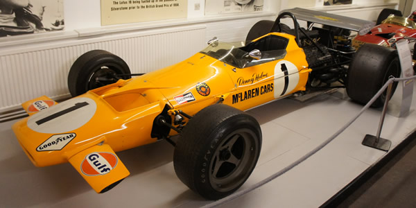 The McLaren M7D restored as a McLaren M7A, on display in the Donington Museum in 2012. Licenced by Chris Eaton under Creative Commons licence Creative Commons Attribution-Share Alike 3.0 Unported. Original image has been cropped.