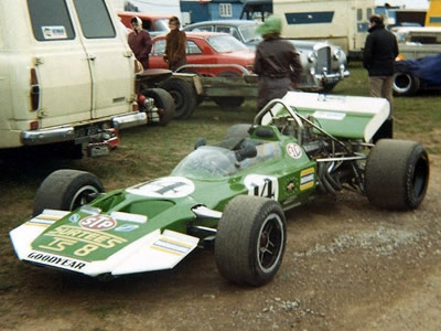 Alan Brodie's Surtees TS8 at Mallory Park in 1972. Copyright Stuart Dent  2004. Used with permission.