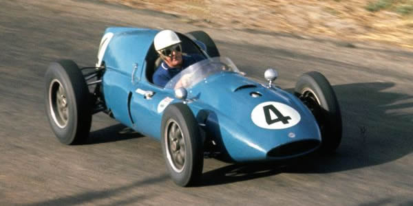 Stan Jones in his Cooper Mk IV 'T51' at the Bathurst Easter meeting in 1961.  Copyright John Ellacott 2008.  Used with permission.