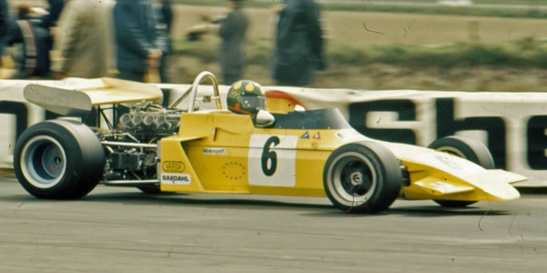 Wilson Fittipaldi in his Brabham BT38 at Thruxton in 1972. Copyright Ted Walker (Ferret Fotographics)  2012. Used with permission.