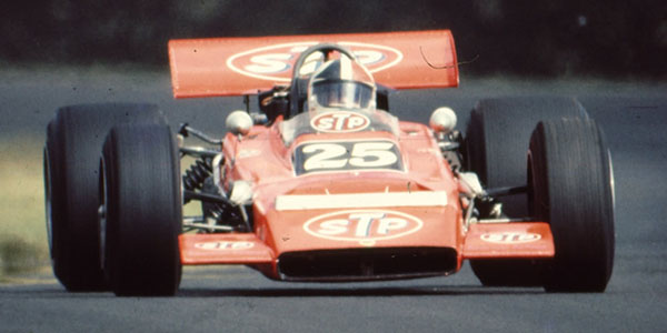 Chris Amon in the STP Lotus 70 at the 1971 New Zealand Grand Prix.  Copyright Ted Walker (Ferret Fotographics) 2012.  Used with permission.