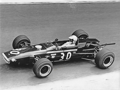 Alex Soler-Roig in his Lola T100 at Pau in 1968. Copyright Ted Walker 2020. Used with permission.