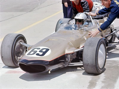 Denny Hulme heads out to practice in Smokey Yunick's new 1967 Eagle at Indianapolis. Part of the Dave Friedman collection. Licenced by The Henry Ford under Creative Commons licence Attribution-NonCommercial-NoDerivs 2.0 Generic. Original image has been cropped.