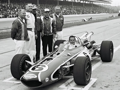 Bobby Unser's Rislone Leader Card Eagle after qualifying for the 1967 Indianapolis 500. Part of the Dave Friedman collection. Licenced by The Henry Ford under Creative Commons licence Attribution-NonCommercial-NoDerivs 2.0 Generic. Original image has been cropped.