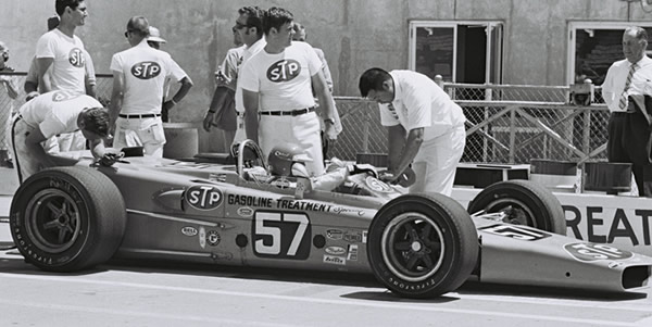 Grant King's STP-backed Gerhardt wedge in the pits at the 1969 Indy 500. Part of the Dave Friedman collection. Licenced by The Henry Ford under Creative Commons licence Attribution-NonCommercial-NoDerivs 2.0 Generic. Original image has been cropped.
