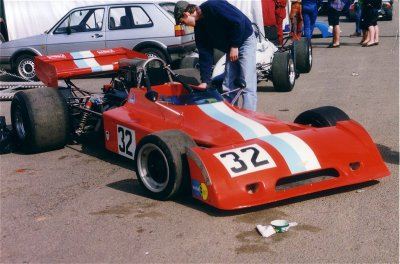 Keith Norris's Chevron B28 at Mallory Park 2 May 1994. Copyright Jeremy Jackson 2003. Used with permission.