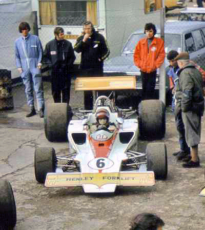 Ian Ashley and T330 HU17 waiting for the start at Snetterton 1973.  Copyright Simon Lewis 2004.  Used with permission.