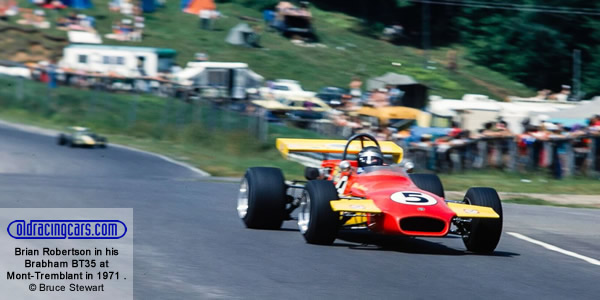 Brian Robertson in his Brabham BT35 leads the Mont-Tremblant Molson Formula B race on 1 Aug 1971.  Copyright Bruce Stewart 2017.  Used with permission.