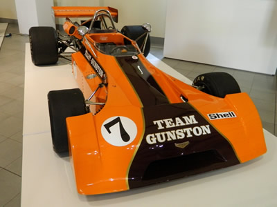 The restored Gunston Chevron B25 in the Franschhoek Motor Museum in September 2014. Licenced by Allan Watt under Creative Commons licence Attribution-NonCommercial-NoDerivs 2.0 Generic. Original image has been cropped.