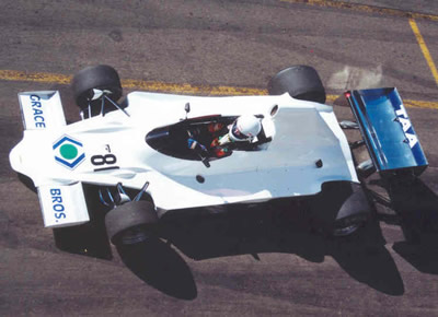 Mike Glynn in his Lola T400 at Eastern Creek in 2002. Copyright David Vincent  2007. Used with permission.