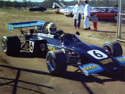 Max Stewart's March 722 at Oran Park, probably for the ANF2 race in June. Copyright Peter Townsend 2020. Used with permission.