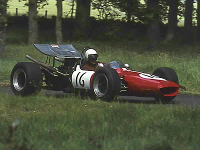 Andrew Goodfellow negotiating the Esses at Doune in June 1971.  Copyright Steve Wilkinson 2006.  Used with permission.